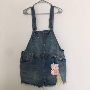 Hot Kiss Denim Ava Bib Overalls Shorts Size 16